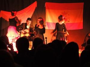 Entre en scène les petites danseuses de l'Ecole flamenco