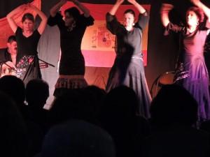 Les quatre danseuses ensemble