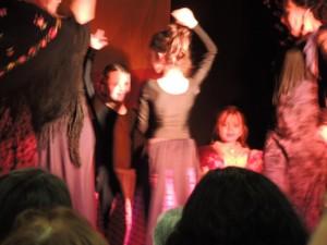 Une autre séquence avec les jeunes danseuses