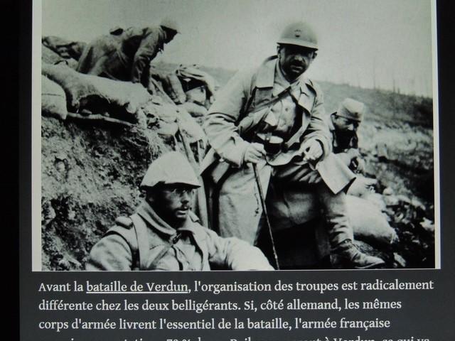 Les soldats dans les tranchées