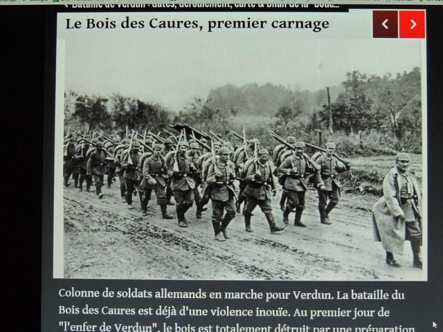 Les soldats allemands vers le Bois de Caures