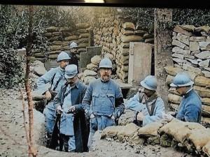 Les soldats se regroupent et  consolident les points faibles