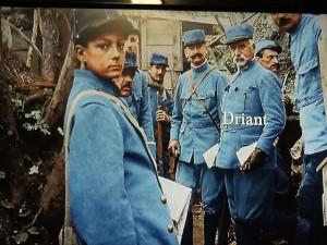 Le Lt-Colonel Driant  et le jeune Germain, orphelin devenu la mascotte de ses bataillons
