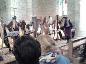 Madame Fortict, présente l'Ensemble de harpes et le concert
