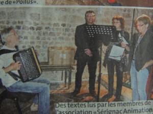 """Les textes sont lus par les membres de """"Sérignac Animations, avec Daniel Helleu à l'accordéon"""