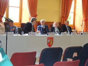Les personnalités composant ce bureau dont Jean Dionis du Séjour, Maire d'Agen et le Président du Jury :Guy Delbès