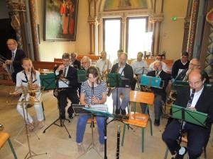 Les musiciens à la basilique en place à droite du Chœur
