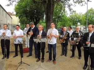 Cérémonie relevée par les sonneries et airs de musique des musiciens de la Lyre Agenaise