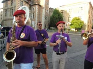 Au tour des musiciens de Los Prunos de jouer posément un air de notre répertoire