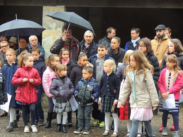 Les enfants qui ont chanté l'hymne national