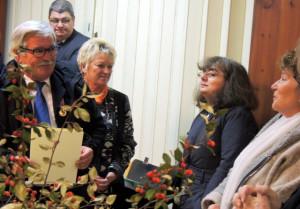 La remise du diplôme et les félicitations de Mme LAURENT,Françoise, Conseillère départementale