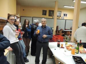 J'ai confié l'appareil à Jean-Luc pour être aussi sur une photo et arroser mon anniversaire! à côté  de Anna, Jeanne et Cécile les trois sœurs