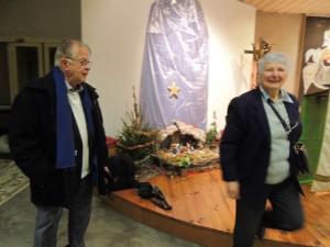 Jean-Claude dit un mot amical à Mme Darré, que nous connaissons de longue date, avant qu'elle ne ferme l'église derrière nous