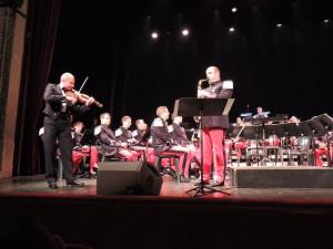 Un duo entre le sous-Chef au violon et le Saxo Alto