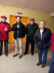 Il ne fait pas très bon dans ce hall malgré tout : Jacques, Jean-Luc, Alain et Anne-Marie sont là