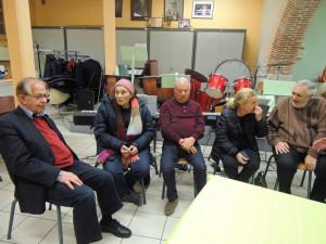Le Président Jean-Claude Fondriest patiente en écoutant Adrienne