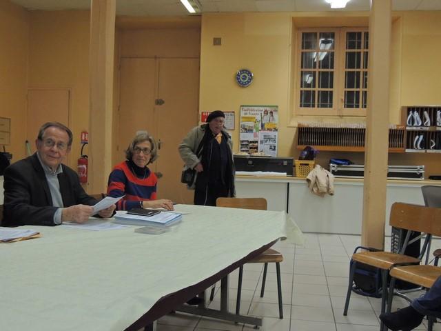 Le Président Jean-Claude Fondriest a ouvert la séance et accueille Louis qui vient participer aussi malgré son handicap.