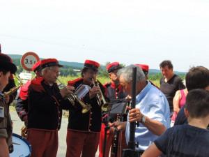 Les trompettes répètent les sonneries d'usage pour cette cérémonie