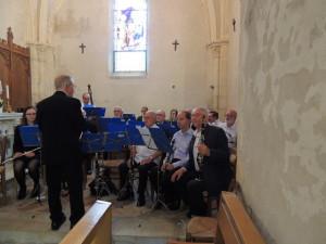 Le Chef Jean-Claude Fondriest donne des directives que les clarinettes écoutent attentivement Julien, Jean-Luc, Serge et moi-même tout en prenant la photo