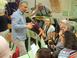 Laurent Nani, le Chef parle justement avec ce musicien qui vient du conservatoire il me semble