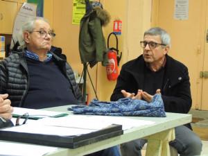 M Pinasseau écoute les commentaires et le point de vue de M Delas