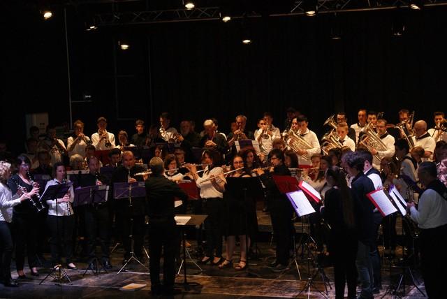 Les morceaux d'orchestre de l'Harmonie Agen Orchestra  sous la direction de leur Chef Laurent Nani