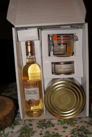 """Coffret """"spécialités landaises"""" pour en apprécier les saveurs offert aussi par le Président Patrice Larcher"""