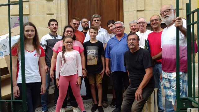 """Voici les """"courageux volontaires déménageurs"""" qui justement ont opéré un dimanche, ce qui ajoute à leur mérite"""