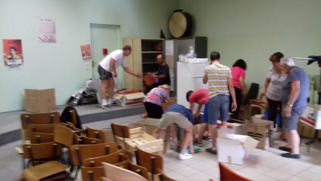 Les volontaires pour travailler à préparer ce déménagement
