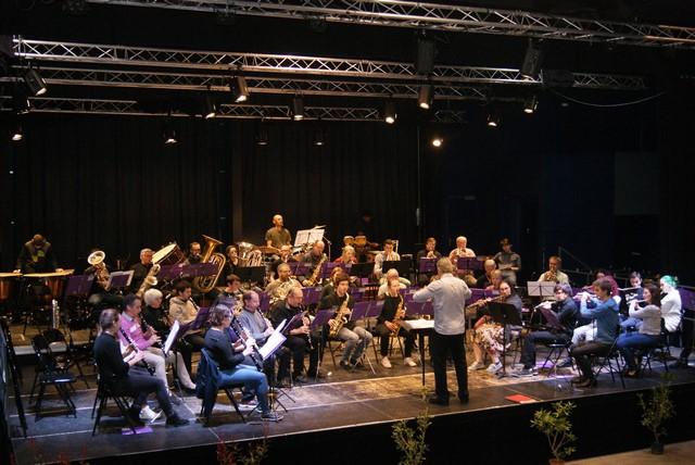 """L'ensemble orchestal """"Agen Orchestra"""" à l'occasion d'un concert en Mars 2018 à Mugron dans les Landes."""