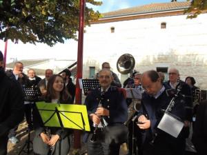 Les musiciennes et musiciens un peu à l'ombre Mathilde,François & Jean-Luc à la clarinette,derrière Clément et Daniel